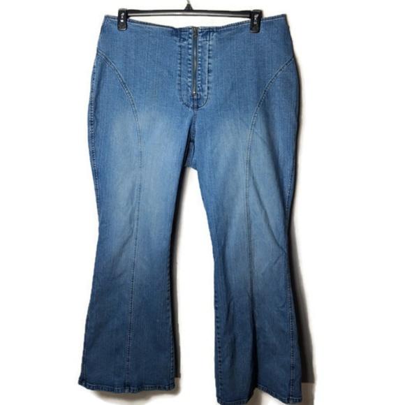 e42ae25ce Venezia 90's bell bottom tall jeans. M_5c8da2f7aa8770e0aedce593